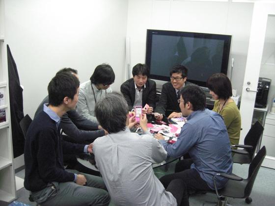 까다로운 일본인을 사로잡은 LG의 인기 휴대폰