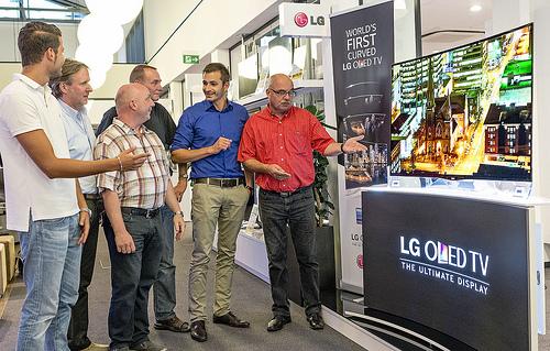 LG 곡면 올레드 TV 유럽 본격 판매