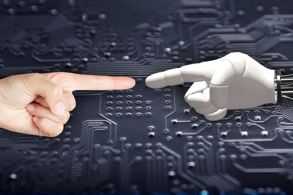 [황재선의 IT 캐스팅] ① 홈 로봇의 서막을 열다