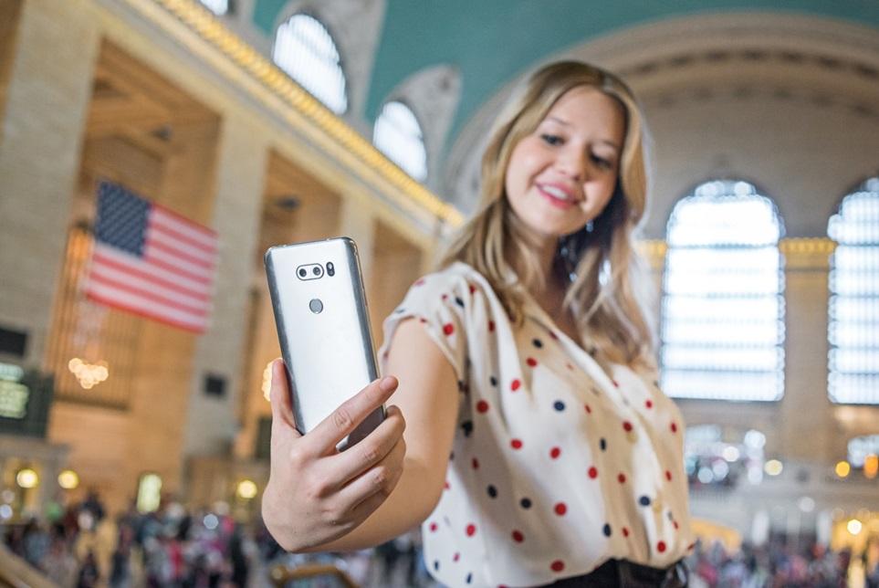 LG V30, 미국 소비자에 '첫 선'