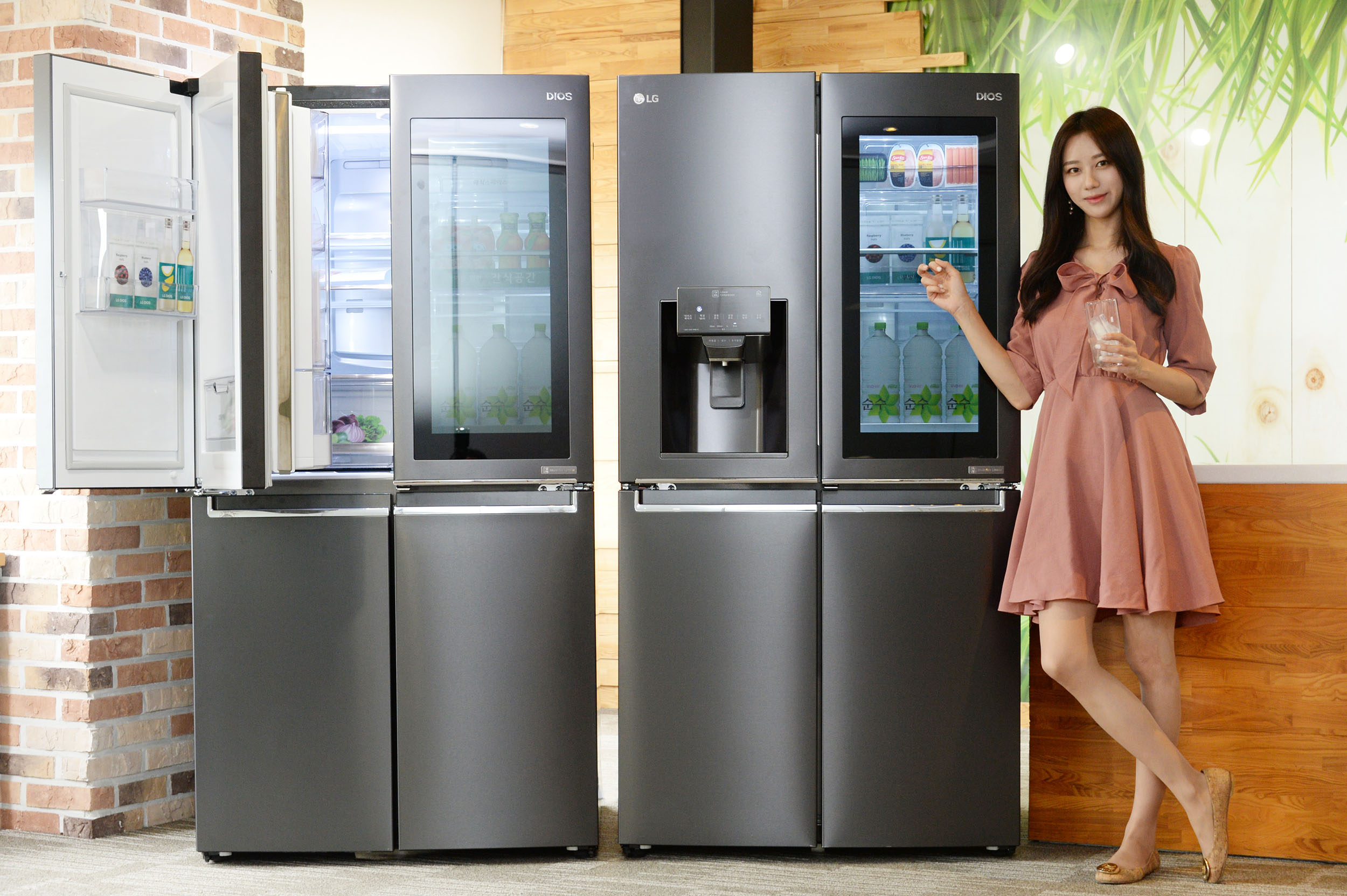 LG 프리미엄 냉장고 라인업에 '노크온 매직스페이스' 확대 적용