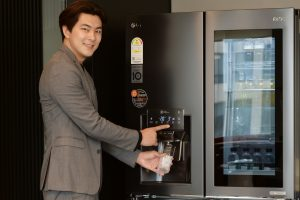 물과 얼음이 더 깨끗한 '디오스 얼음정수기냉장고' 출시