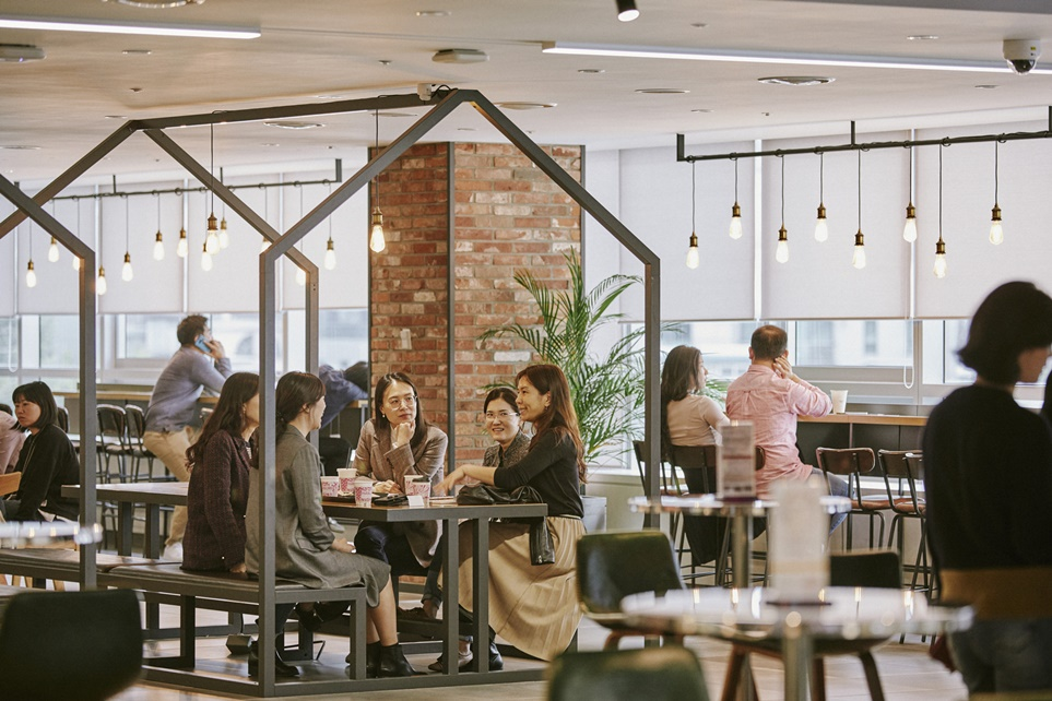[LG 핫플 #3] 소통과 배움 그리고 커피, '카페 락희'
