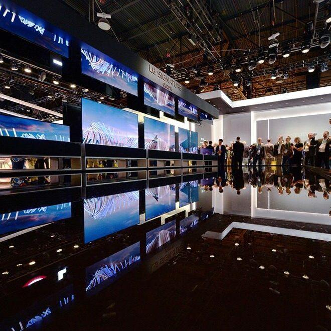 CES2020 현장사진 - 롤러블 TV 전시 부스