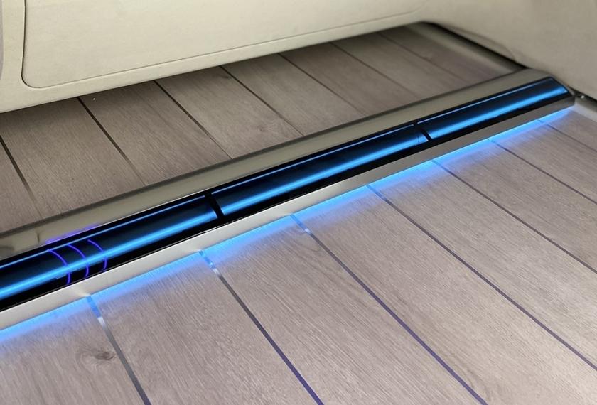 LG전자와 현대자동차가 24일 공개한 미래차의 인테리어 비전을 보여주는 '아이오닉 콘셉트 캐빈(IONIQ Concept Cabin)'