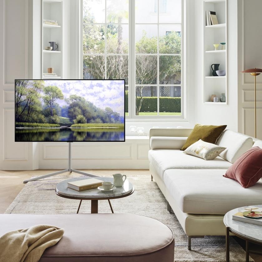 LG전자가 더 완벽한 화질의 올레드 에보(evo)를 비롯한 2021년형 LG 올레드 TV를 글로벌 주요 시장에 순차 출시한다. LG 올레드 TV는 역대 최고 성능의 올레드 에보를 필두로 최대, 최다 라인업을 갖추며 더 강력해졌다. 사진은 LG 올레드 TV(올레드 에보, 모델명: G1)가 집 안 공간과 조화를 이루며 배치돼 있는 모습.