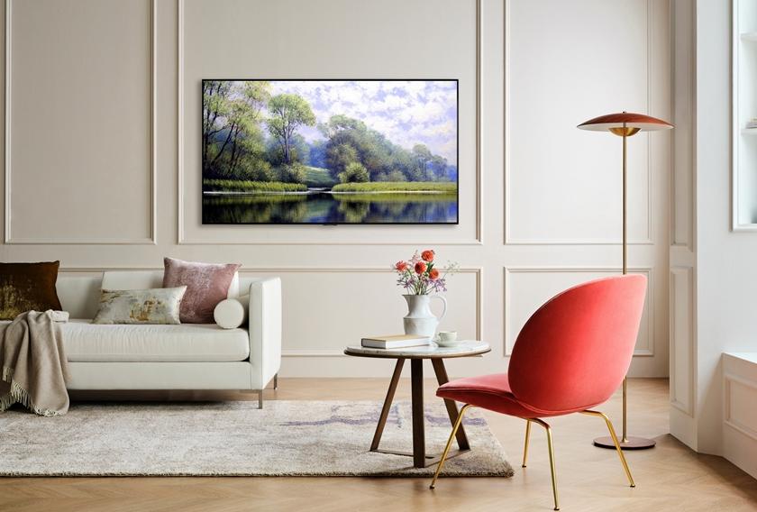 LG전자가 올해 처음으로 선보인 LG 올레드 에보(모델명: G1)가 해외 유력 매체들로부터 연이어 호평을 받고 있다. 사진은 차세대 올레드 패널을 탑재해 더 선명하고 밝은 화질을 표현하는 LG 올레드 에보가 설치돼 있는 모습