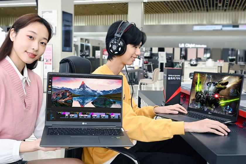 LG전자 모델이 17형 대화면에 인텔 11세대 최신 프로세스와 엔비디아 외장 그래픽카드를 탑재해 영상작업이나 게임을 구동할때 빠르고 쾌적한 환경을 제공하는 고성능 노트북 'LG 울트라기어 17'을 소개하고 있다.