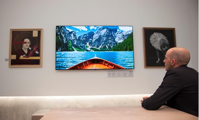 신규 매장에 전시된 LG 올레드 TV