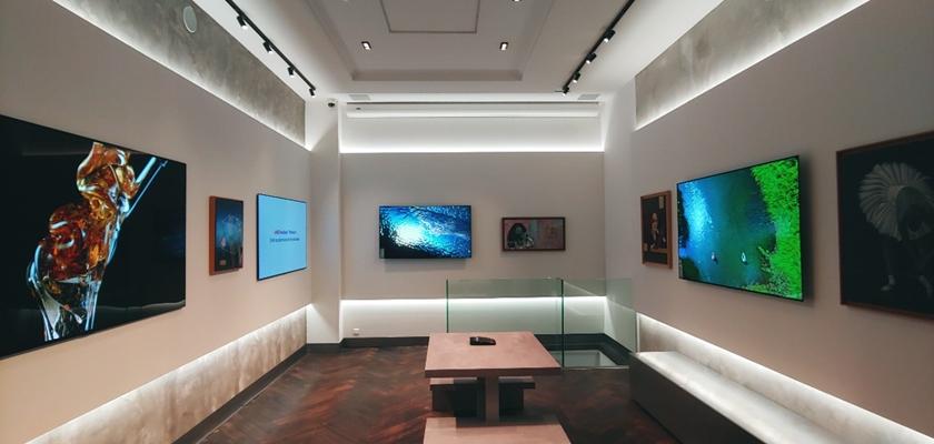 신규 매장에 전시된 LG 올레드 TV 모습