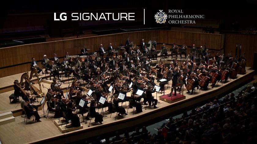 LG전자가 후원하는 로열 필하모닉 오케스트라 창단75주년 공연하는 모습