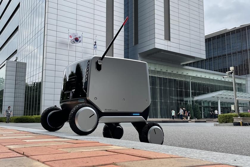 LG전자, 국제로봇학회서 실내외 통합배송로봇 첫 공개