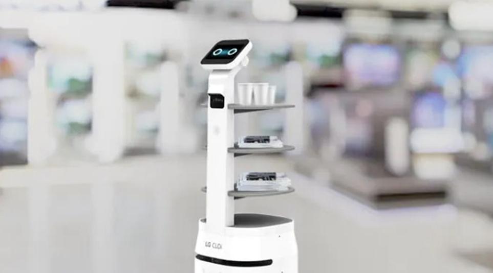 직원이 없을 때에도 고객에게 서비스를 제공하는 LG 클로이 로봇