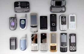 투명 휴대폰 짝퉁 제조 현장을 습격해 보니