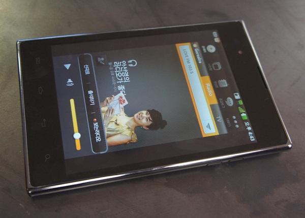 옵티머스 뷰 제품 사진