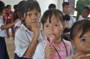 캄보디아 아이들의 사진