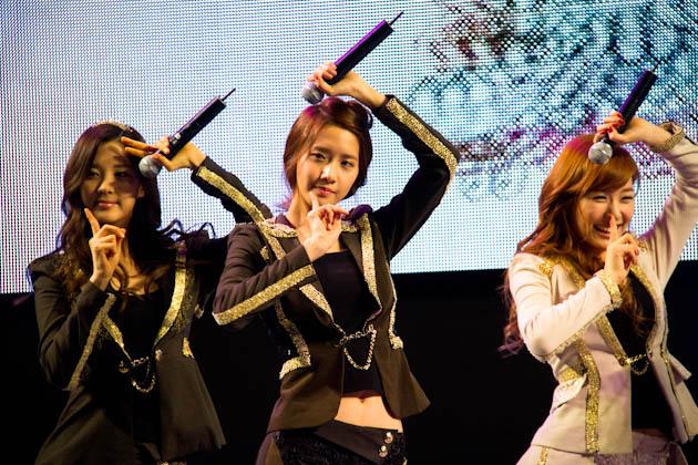걸그룹 소녀시대의 공연하는 모습3
