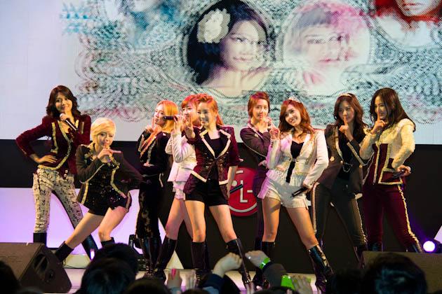 걸그룹 소녀시대의 공연하는 모습5