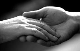 트롬이 여자의 손을 응원합니다. 러브핸즈 캠페인