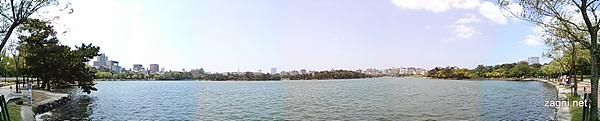 파노라마 모드로 찍은 오오도리 공원 사진