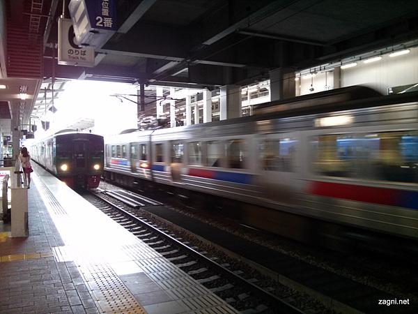 타임머신 기능으로 찍은 지하철 사진