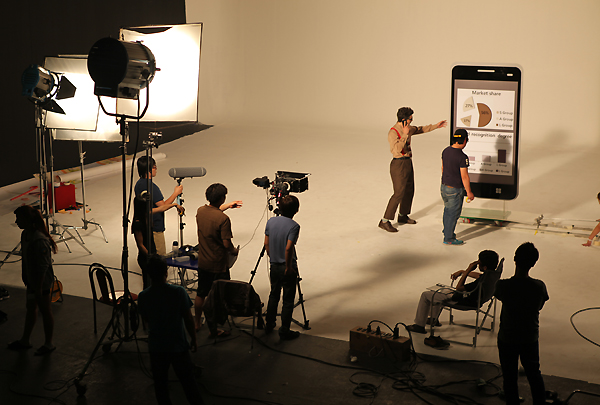 LG Optimus 'Innovation Cube' 제작 현장