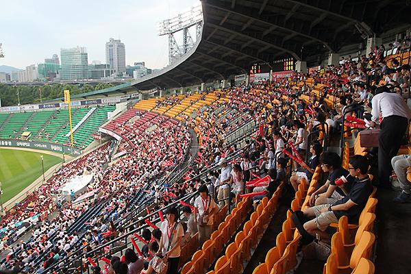 야구 경기장 사진