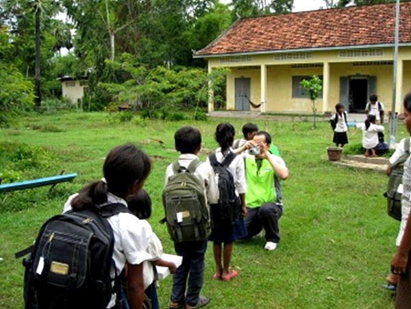 캄보디아 잔소 아이들의 뒷모습