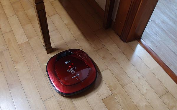 로봇 청소기 사진