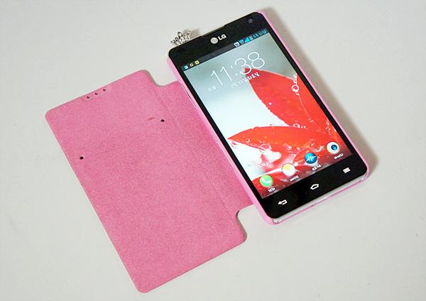 옵티머스 G, 핑크 케이스와 이어캡 사진
