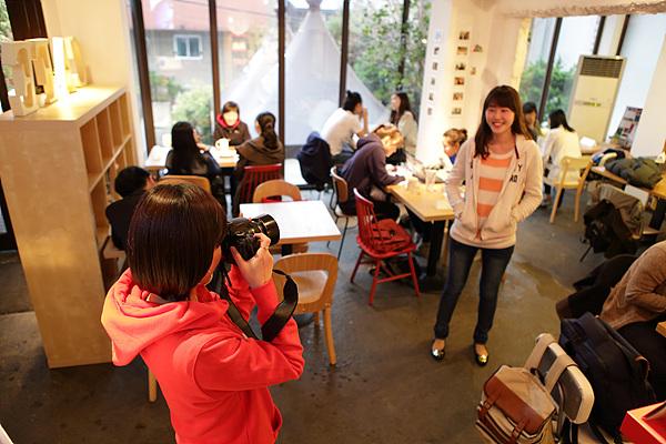 카페 내부 사진 촬영