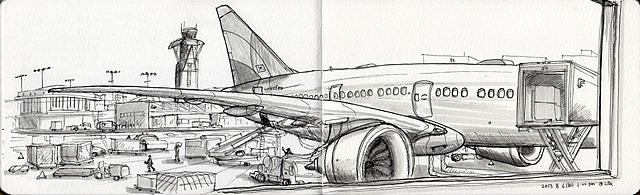 비행기를 기다리며 그림을 그리는 필자