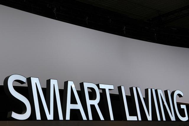 IFA2013_smart living 코너의 구조물이 크게 보인다.
