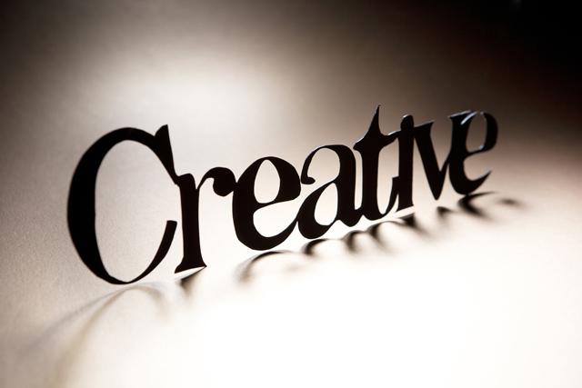 빈 공간에 creative라고 써져있다.