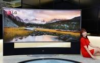 LG전자-LG디스플레이, 세계최초 '105형 곡면 울트라HD TV' 공개