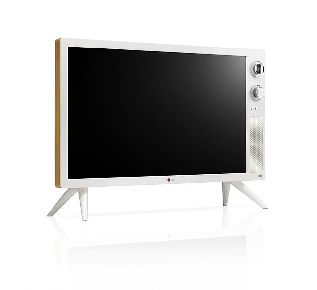 LG 클래식 TV의 전체적인 외관 모습으로 TV를 받쳐주는 스탠드가 있고 전체적으로 화이트 색상에 우드 프레임이 둘러져 있다.