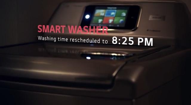 홈챗 기능을 통해 세탁기가 자동으로 작동하고 있는 모습이다.