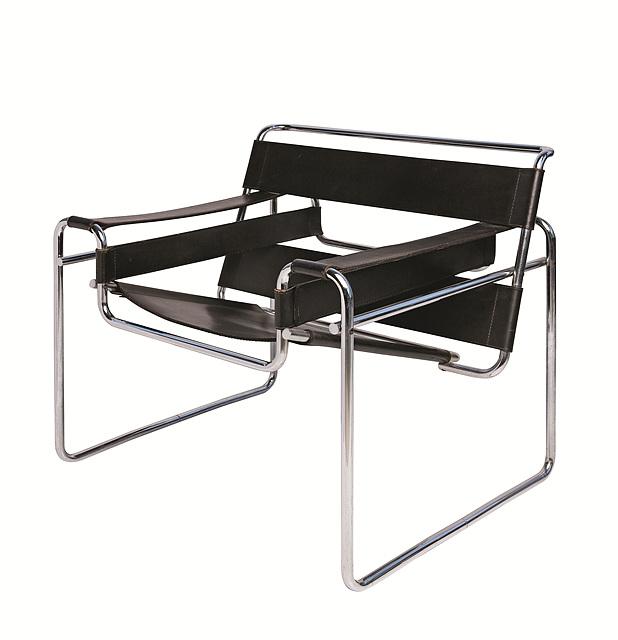 마르셀 브로이어가 디자인한 바실리 의자는 기능주의를 추구하는 바우하우스의 가구지만, 좌석의 끝부분은 인체공학적으로 덜 기능적이다.marcel breuer, Wassily Chair, 1925