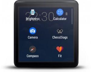 Wear Mini Launcher 앱 화면. Brightness, Calculator, Camera, ChessDiags, Compass, Fit 아이콘이 보인다.