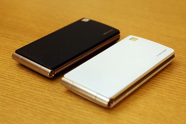 LG 와인 스마트폰 블랙&화이트 색상 제품
