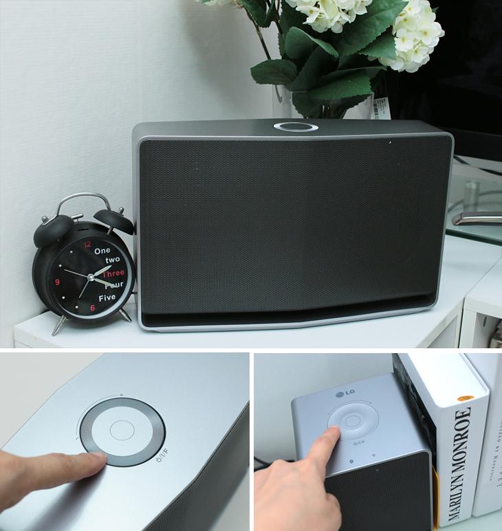 LG 스마트 오디오가 탁상 위에 놓여 있다.(상단) 손가락으로 전원 버튼을 누르는 모습(왼쪽 아래) 손가락으로 볼륨 휠을 조절하는 모습(오른쪽 아래)