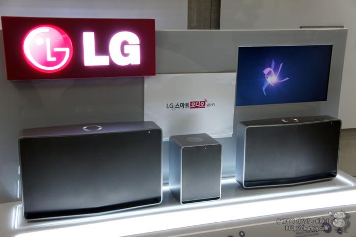 LG 스마트오디오 NP8340, NP8540, NP8740가 나란히 놓여 있다.