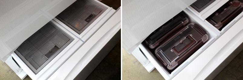 김치냉장고에 김치를 보관하고 있는 모습