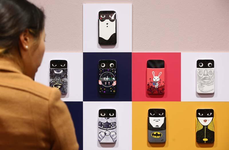 배프트맨, 토끼 일러스트, 고양이 등 다양하게 디자인된 LG 디자이너의 작품