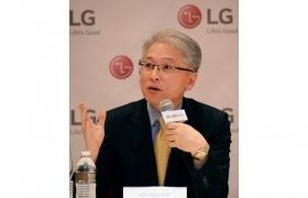 LG전자 홈엔터테인먼트(HE) 사업본부장 권봉석 부사장 사진 입니다.