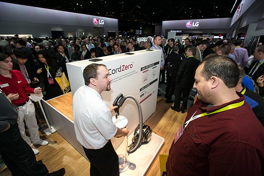 CES 2015 개막, LG의 뜨거운 혁신에 물들다 (17)