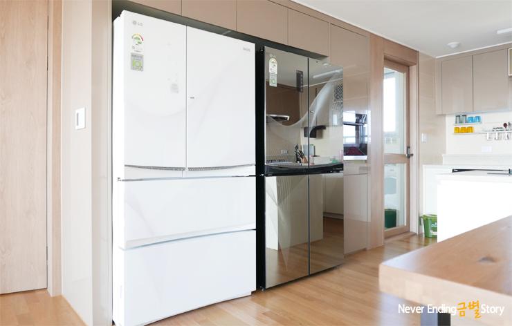 LG 디오스 냉장고가 있는 주방의 모습입니다.