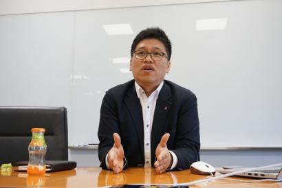 학부 졸업생으로 가장 기본이 되는 것은 탄탄한 전공실력임을 강조하고 있는 김종우 차장.