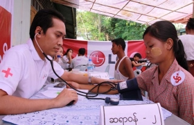 LG전자가 9~10일 미얀마 외곽의 위생 취약 지역인 '타토(Thahto)' 에서 양곤의학대학 출신 현지 의료진과 협력해 현지 주민 3,500여 명에게 무료 검진을 제공했다.