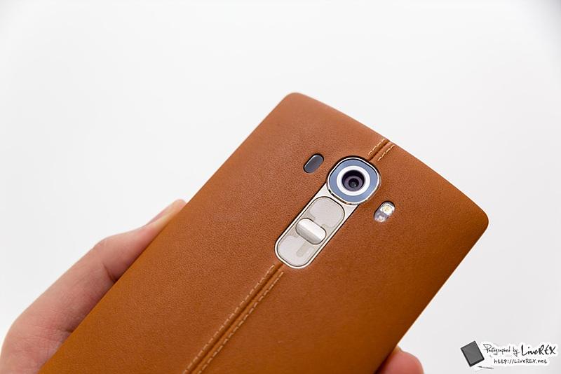 LG G4의 후면 카메라 클로즈업 사진